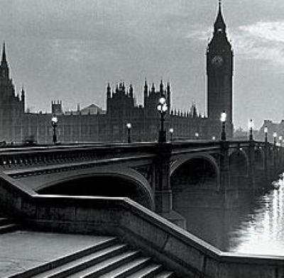 Anonymous-Bridge-with-Big-Ben-105708