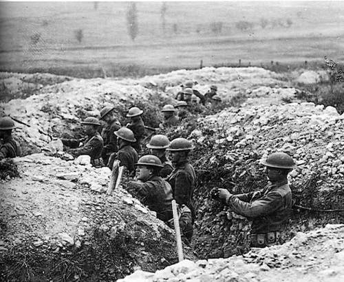 Front-line-trench-in-Northern-France-1914